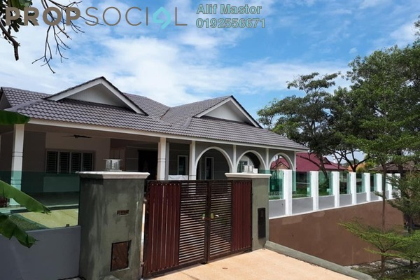 For Sale Bungalow at Sri Acappella, Shah Alam Freehold Semi Furnished 4R/5B 1.6m