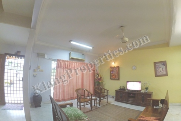 For Sale Terrace at Bandar Bukit Tinggi 2, Klang Freehold Semi Furnished 4R/3B 720k