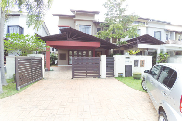 For Sale Terrace at Park Residence, Bukit Jelutong Freehold Semi Furnished 5R/4B 1.29m