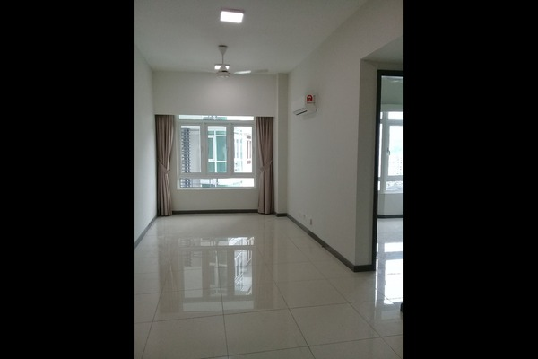 For Sale Apartment at Taman Kuchai, Old Klang Road Freehold Semi Furnished 3R/2B 880k