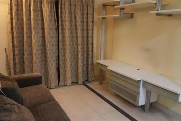 For Sale Apartment at Vista Pinggiran, Bandar Putra Permai Freehold Semi Furnished 3R/2B 315k