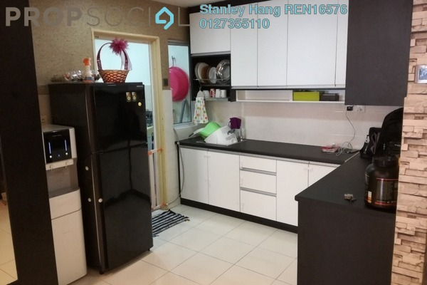 For Sale Condominium at Koi Kinrara, Bandar Puchong Jaya Freehold Semi Furnished 3R/2B 465k