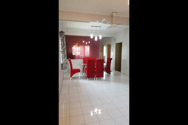 For Sale Townhouse at Seksyen 32, Bukit Rimau Freehold Semi Furnished 3R/2B 430k