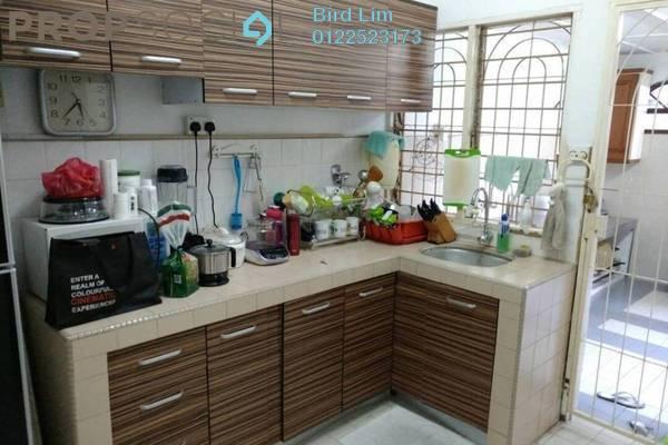 For Sale Terrace at Taman Bukit Serdang, Seri Kembangan Freehold Semi Furnished 4R/3B 749k