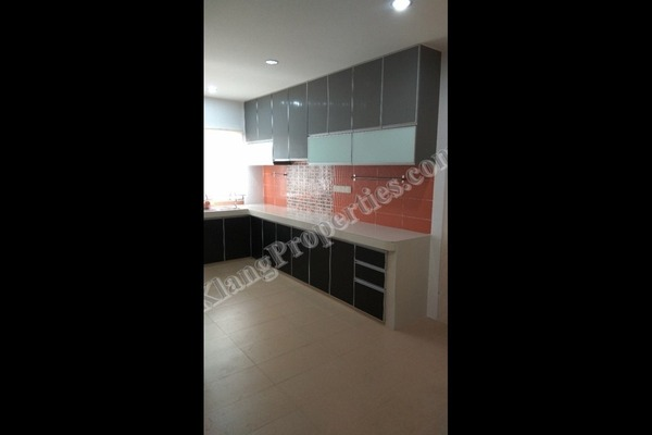 For Sale Terrace at Bandar Botanic, Klang Freehold Semi Furnished 4R/3B 618k
