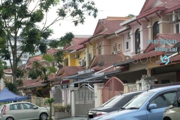 For Sale Townhouse at Taman Wangsa Permai, Kepong Freehold Semi Furnished 3R/2B 350k