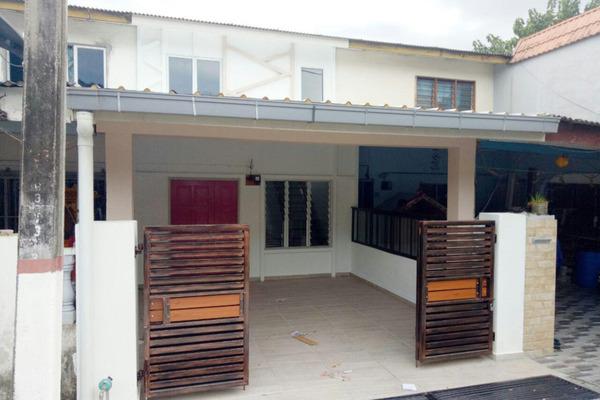 For Sale Terrace at Taman Bukit Kajang Baru, Kajang Freehold Unfurnished 3R/2B 320k