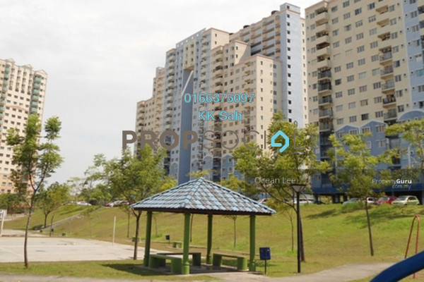 For Sale Condominium at Desaminium Rimba, Bandar Putra Permai Freehold Semi Furnished 5R/3B 310k