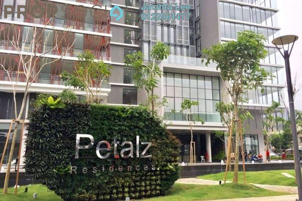 For Sale Serviced Residence at The Petalz, Old Klang Road Freehold Semi Furnished 4R/3B 580k