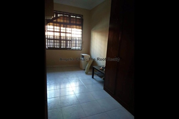 For Sale Link at Taman Pelangi, Johor Bahru Freehold Semi Furnished 3R/2B 495k