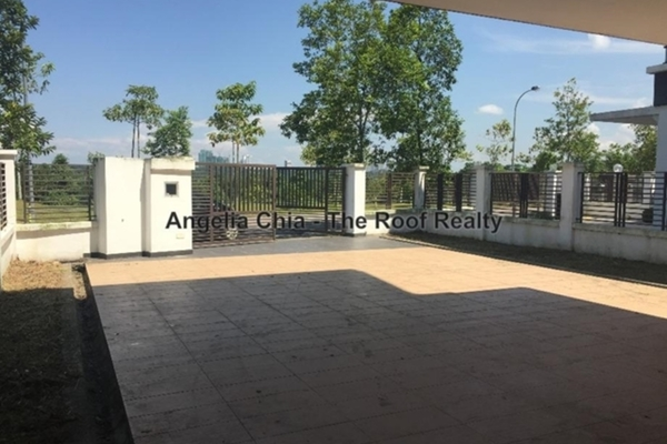 For Sale Semi-Detached at The Golf, Horizon Hills Freehold Unfurnished 4R/6B 1.95m