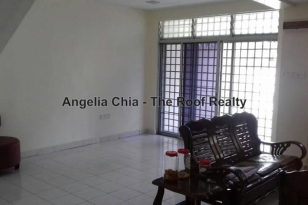 For Sale Terrace at Taman Puteri Wangsa, Ulu Tiram Freehold Semi Furnished 4R/3B 540k