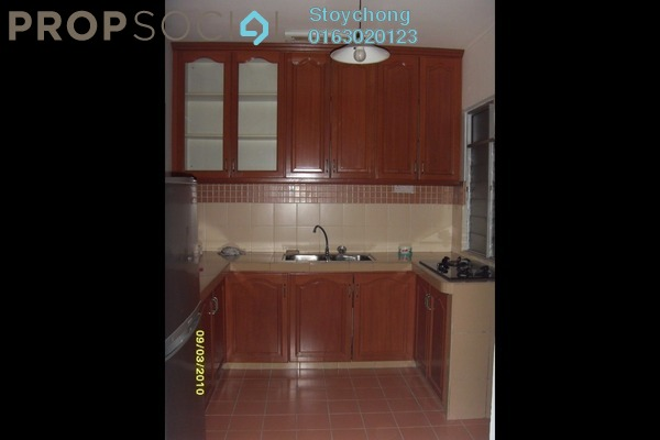 For Sale Condominium at Perdana Exclusive, Damansara Perdana Freehold Semi Furnished 3R/2B 400k