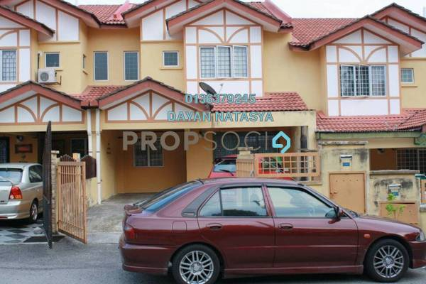 For Sale Terrace at Taman Universiti, Bangi Freehold Semi Furnished 4R/3B 500k