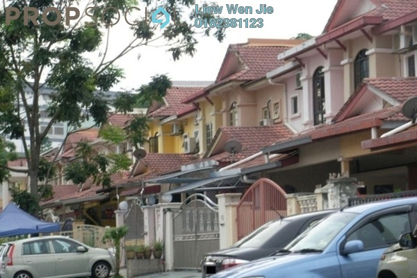 For Rent Townhouse at Taman Wangsa Permai, Kepong Freehold Unfurnished 3R/3B 1.3k