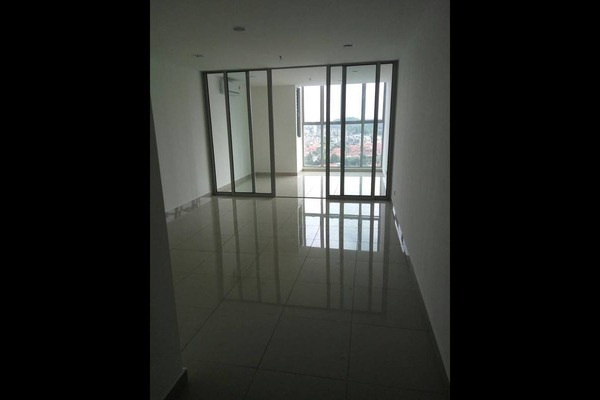 For Sale Condominium at 3Elements, Bandar Putra Permai Freehold Semi Furnished 1R/1B 258k
