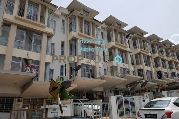For Sale Townhouse at Amansiara, Selayang Freehold Semi Furnished 3R/2B 420k
