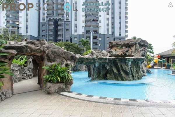 For Sale Condominium at Amadesa, Desa Petaling Freehold Semi Furnished 3R/2B 357k