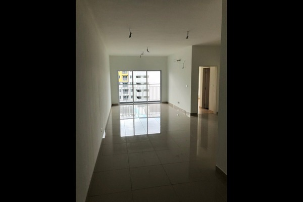 For Sale Condominium at The Holmes, Bandar Tun Razak Freehold Unfurnished 3R/2B 470k
