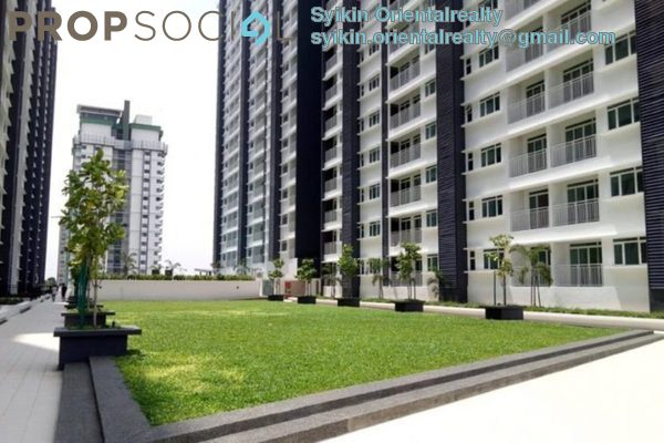 For Sale Condominium at V-Residensi 2, Shah Alam Freehold Semi Furnished 2R/2B 460k