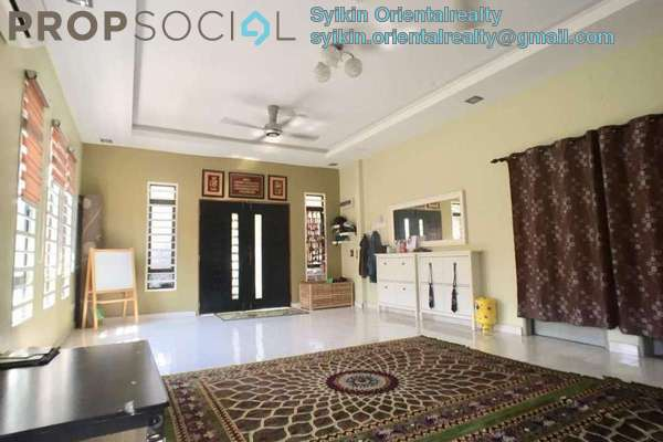 For Sale Semi-Detached at Taman Dahlia, Sepang Freehold Semi Furnished 3R/2B 470k
