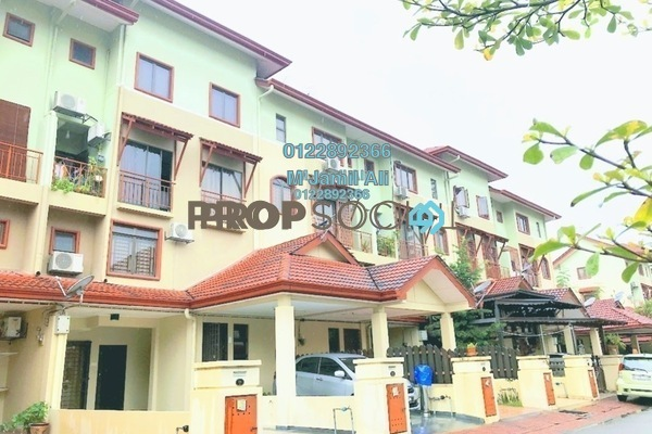 For Sale Townhouse at Villa Laman Tasik, Bandar Sri Permaisuri Leasehold Semi Furnished 4R/3B 595k