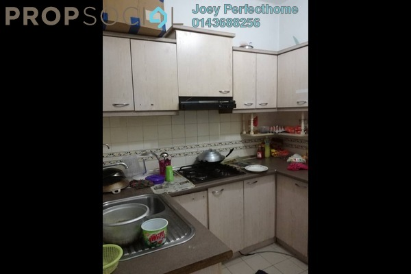 For Sale Condominium at Jasmine Court, Bandar Puchong Jaya Freehold Unfurnished 3R/2B 195k