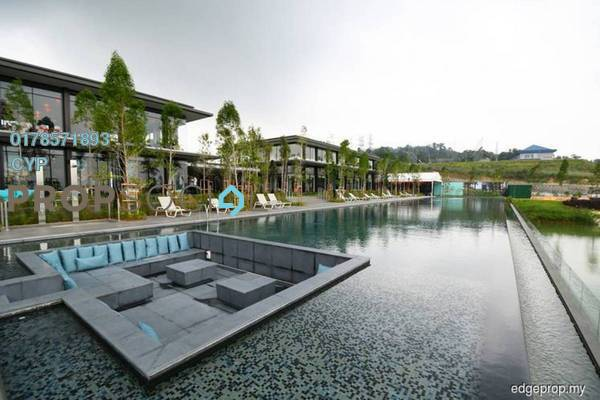 For Sale Condominium at Emerald Hills, Alam Damai Freehold Semi Furnished 3R/2B 500k