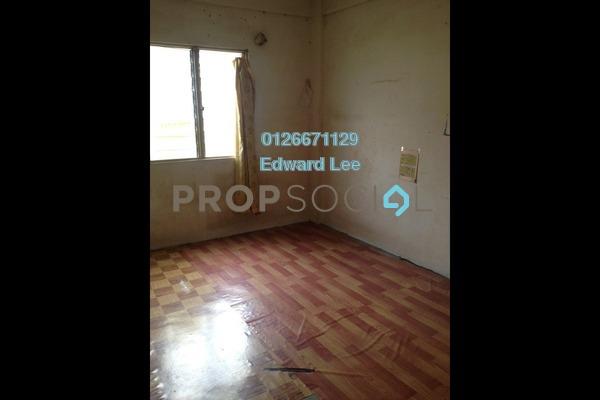 For Sale Apartment at Puchong Utama Court 2, Bandar Puchong Utama Freehold Unfurnished 3R/2B 155k