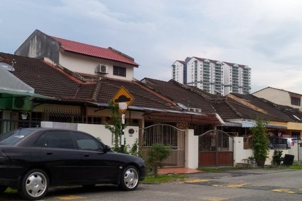 For Rent Terrace at Pandan Indah, Pandan Indah Freehold Semi Furnished 3R/2B 1.8k