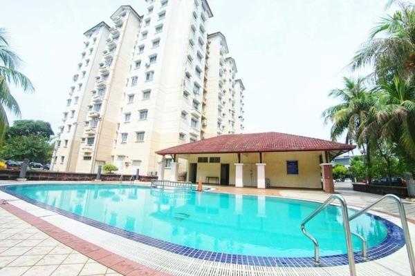 For Sale Condominium at Elaeis 2, Bukit Jelutong Freehold Unfurnished 3R/2B 420k