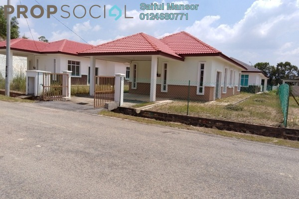 For Sale Bungalow at Mahkota Hills, Mantin Freehold Unfurnished 5R/2B 380k