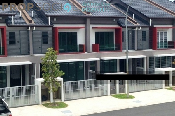 For Sale Terrace at Nahara, Bandar Bukit Raja Freehold Semi Furnished 4R/3B 567k
