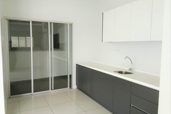 For Sale Condominium at Spring Avenue, Kuchai Lama Freehold Semi Furnished 3R/2B 568k