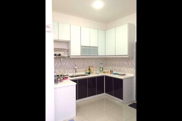 For Sale Condominium at Mahkota Residence, Bandar Mahkota Cheras Freehold Semi Furnished 3R/2B 398k