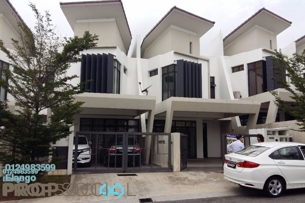 For Sale Terrace at Laman Glenmarie, Saujana Freehold Semi Furnished 4R/4B 1.05m