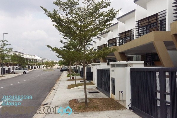 For Sale Terrace at Laman Glenmarie, Saujana Freehold Unfurnished 4R/4B 1.3m