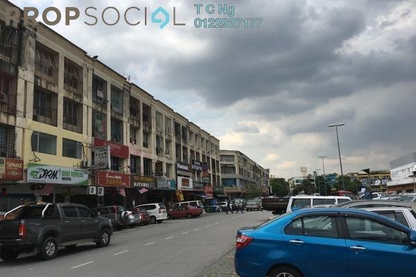For Sale Apartment at Jalan Bandar, Pusat Bandar Puchong Freehold Unfurnished 3R/1B 258k