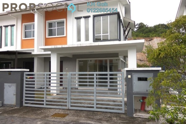 For Rent Semi-Detached at Taman Ixora, Bandar Baru Salak Tinggi Freehold Semi Furnished 4R/3B 1.2k