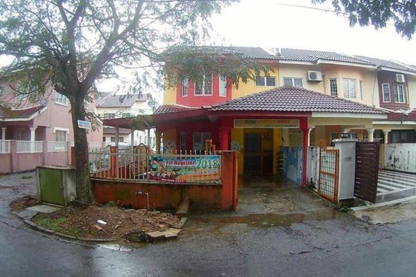 For Sale Terrace at Seksyen 5, Bangi Freehold Semi Furnished 4R/3B 470k