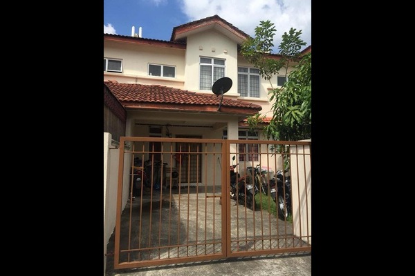 For Sale Terrace at Bandar Tasik Kesuma, Semenyih Freehold Semi Furnished 4R/3B 370k