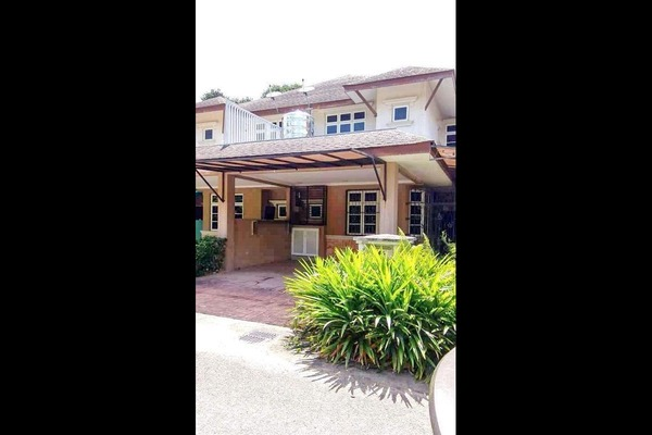 For Sale Superlink at Perdana Lakeview East, Cyberjaya Freehold Semi Furnished 4R/4B 799k