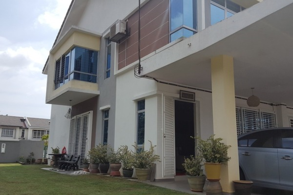 For Sale Terrace at Forest Heights, Seremban Freehold Semi Furnished 4R/3B 670k