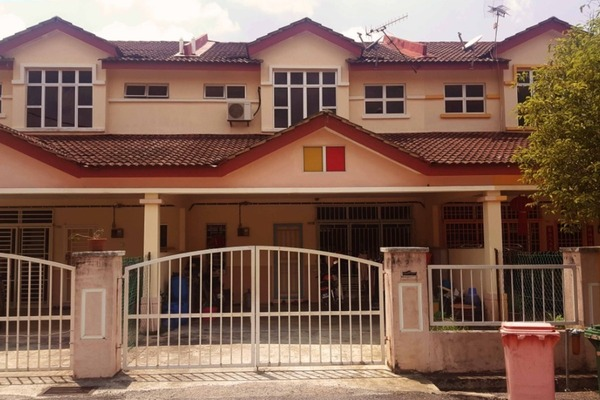 For Sale Terrace at Taman Bukit Galena, Seremban Freehold Fully Furnished 4R/3B 435k