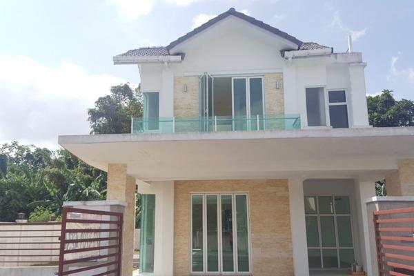 For Sale Bungalow at Taman Hulu Langat Jaya, Batu 9 Cheras Freehold Unfurnished 6R/4B 1.4m