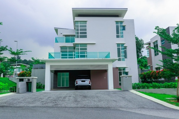 For Sale Bungalow at Taman Langat Idaman, Batu 9 Cheras Freehold Unfurnished 6R/6B 1.83m