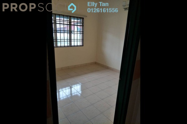 For Sale Terrace at Bukit Raja Industrial Park, Klang Freehold Semi Furnished 3R/2B 550k