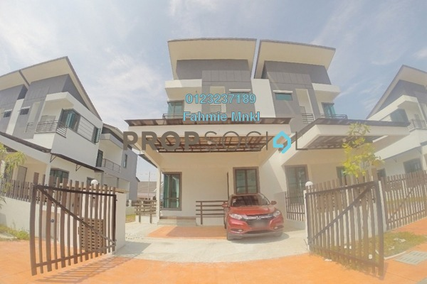For Sale Semi-Detached at Section 30, Shah Alam Freehold Unfurnished 4R/3B 830k