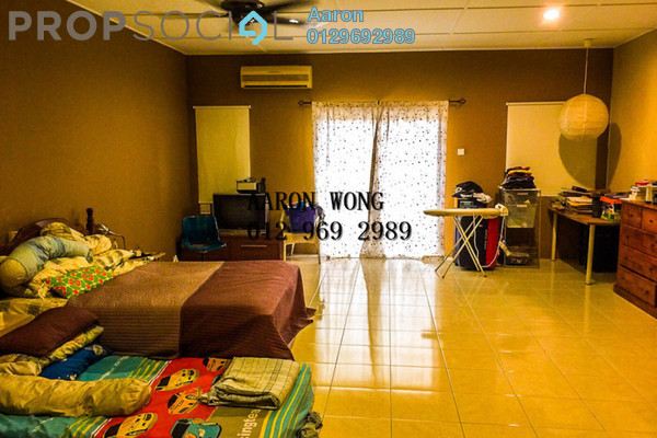 For Sale Terrace at Bandar Nusaputra, Puchong Freehold Semi Furnished 4R/3B 670k