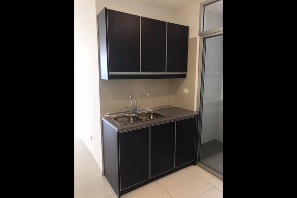 For Rent Condominium at Midfields 2, Sungai Besi Freehold Semi Furnished 3R/2B 1.5k